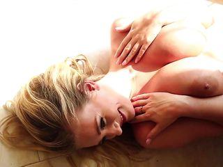 Порно красотки дрочка