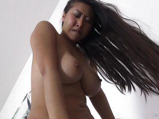Порно фото срыв целки